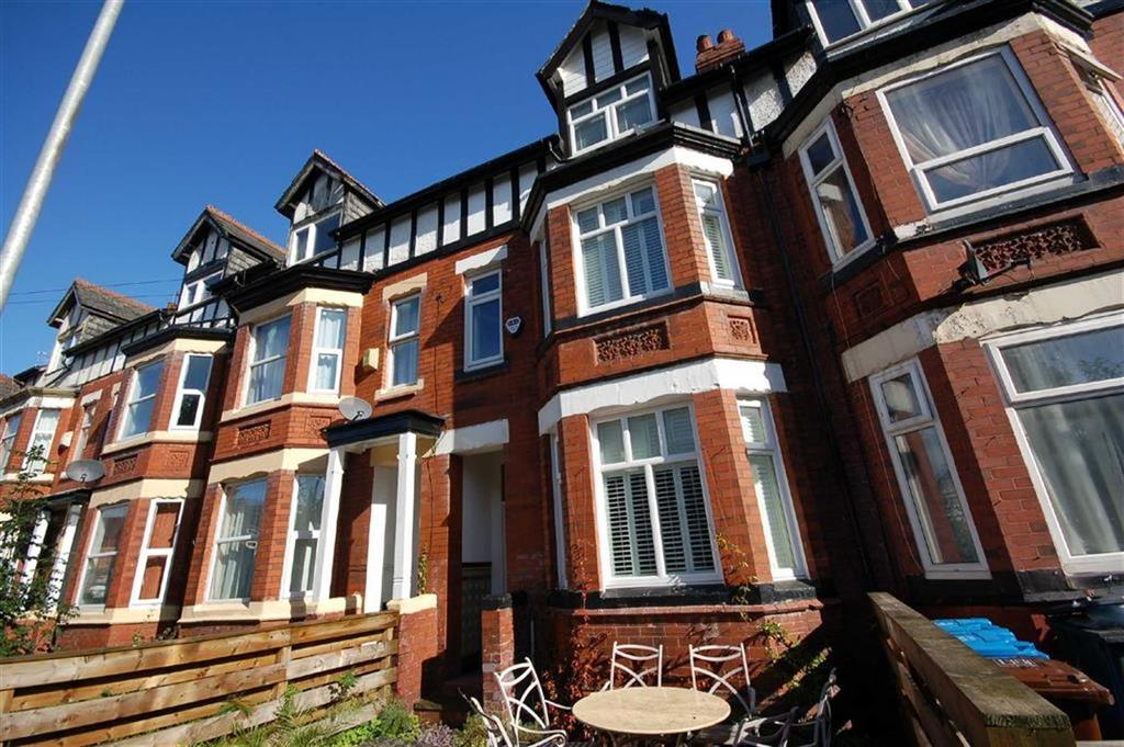 6 Bedrooms House Share for rent in Latchmere Road, Fallowfield, Manchester