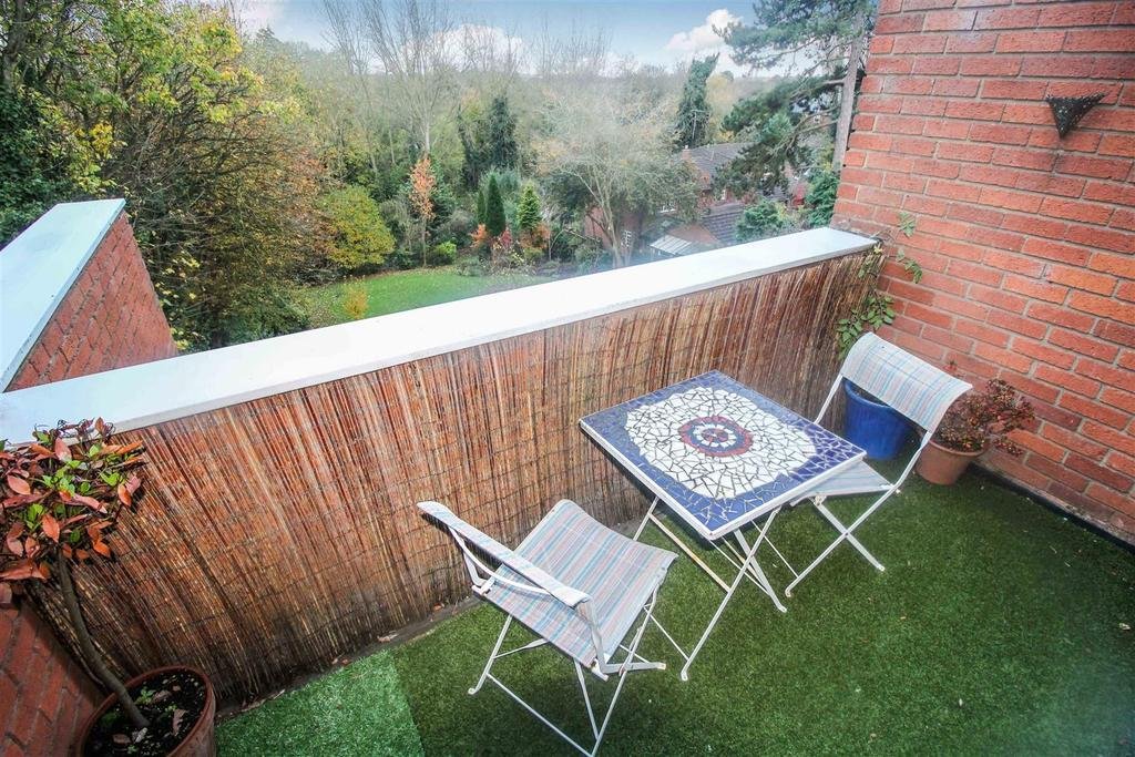 3 Bedrooms Apartment Flat for sale in Warwick New Road, Leamington Spa