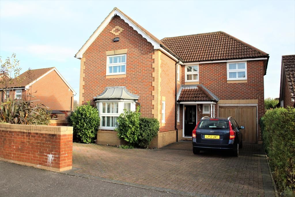 4 Bedrooms Detached House for sale in Sissinghurst Drive, MAIDSTONE ME16