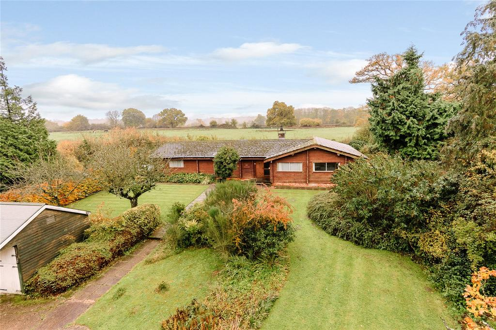3 Bedrooms Detached Bungalow for sale in Foxley Lane, Binfield, Berkshire