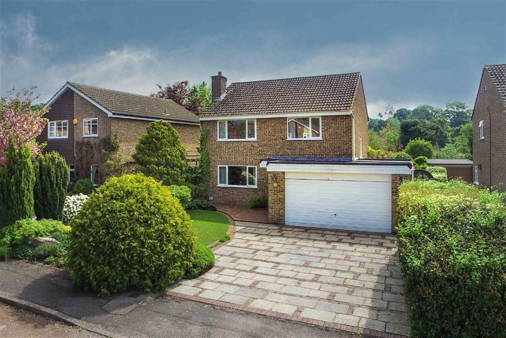 4 Bedrooms Detached House for sale in Alzey Gardens, Harpenden, Hertfordshire