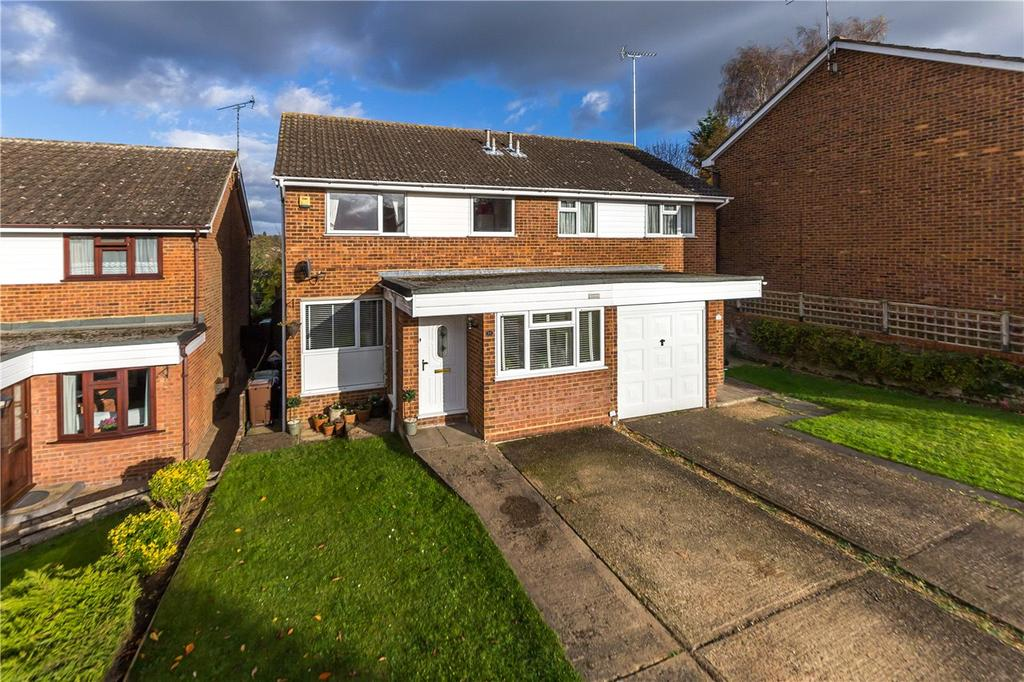 3 Bedrooms Semi Detached House for sale in Linwood Road, Harpenden, Hertfordshire