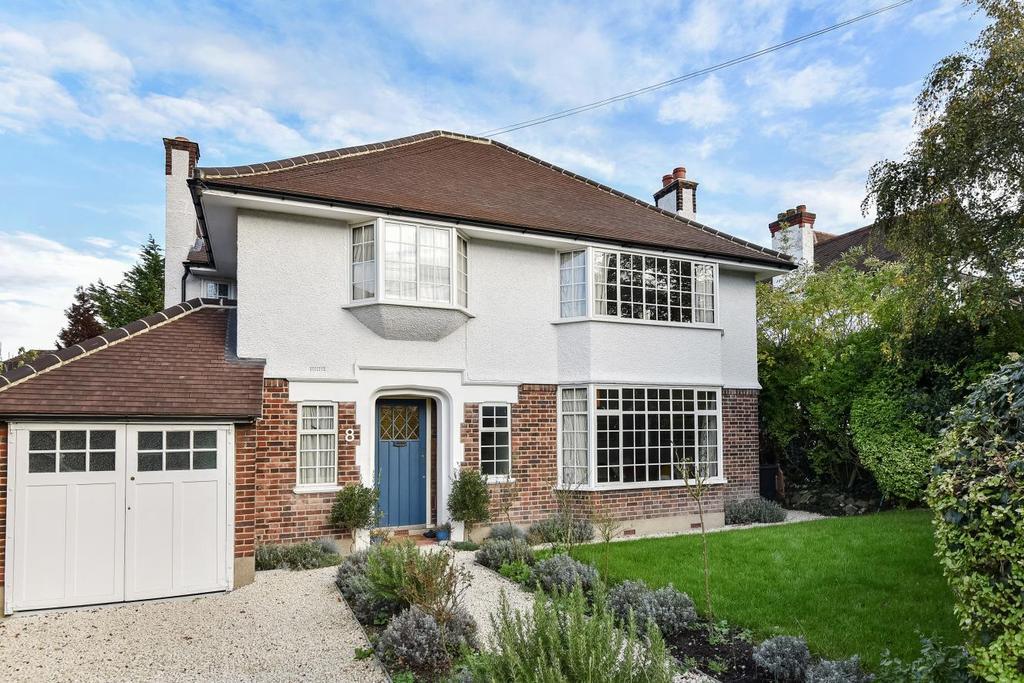 4 Bedrooms Detached House for sale in Downs Bridge Road, Beckenham