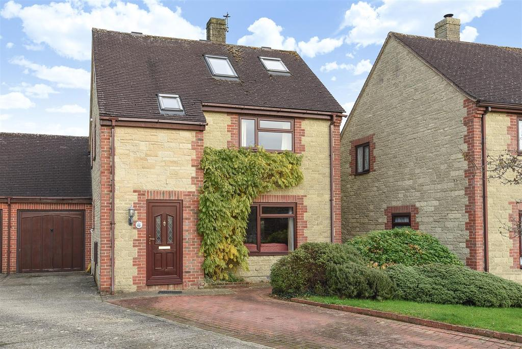 3 Bedrooms Link Detached House for sale in Poultney Place, Carterton