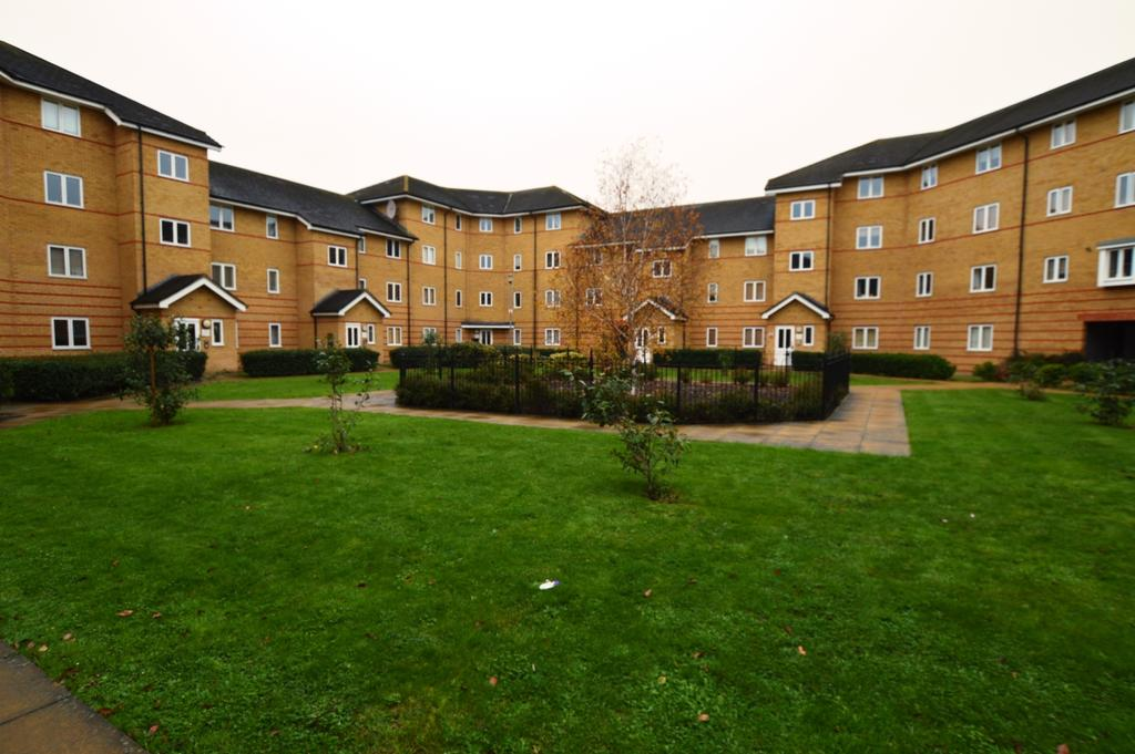 2 Bedrooms Flat for sale in Stanley Close London SE9