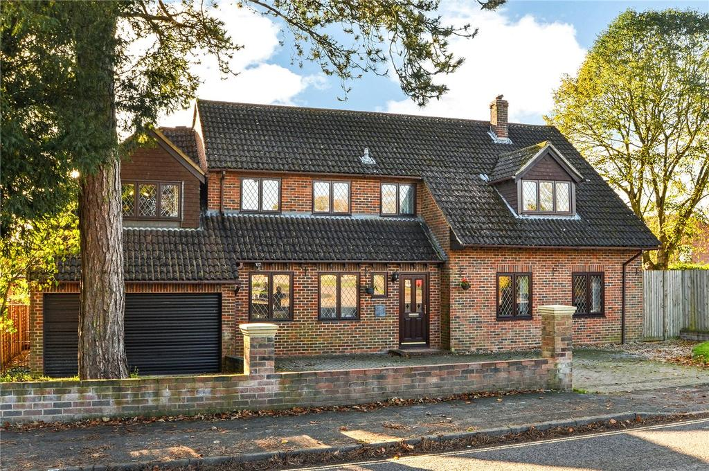 4 Bedrooms Detached House for sale in Downs Road, South Wonston, Winchester, Hampshire, SO21