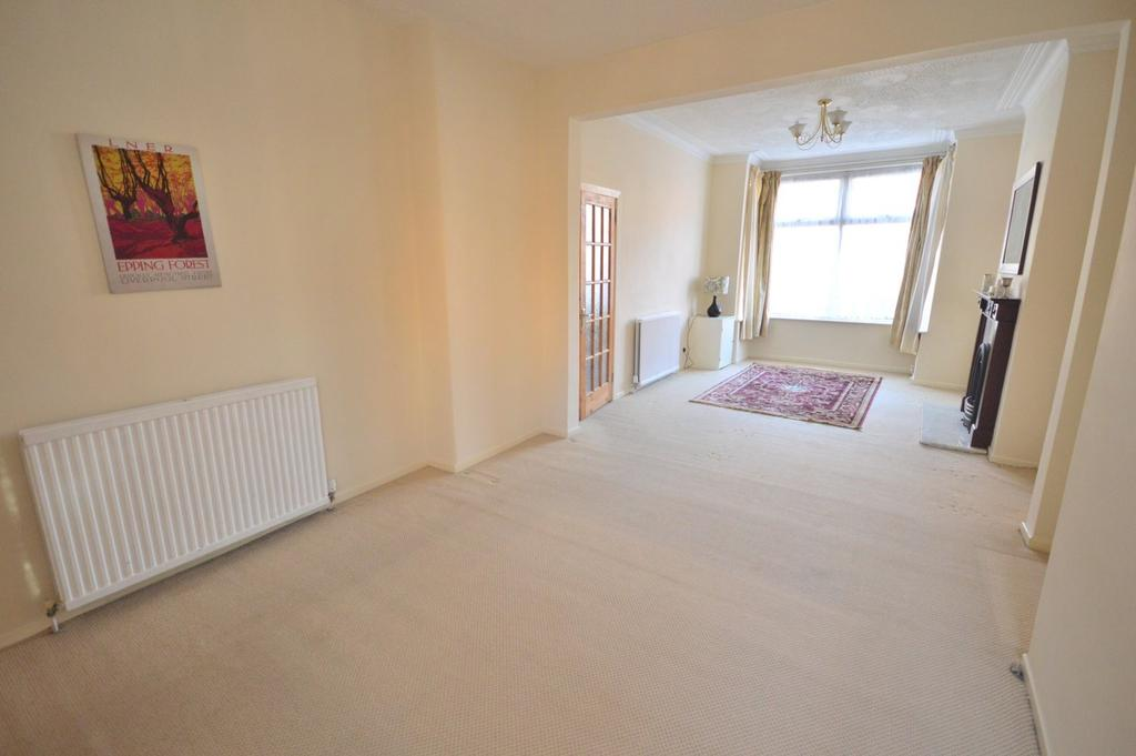 3 Bedrooms End Of Terrace House for rent in Harcourt Street, Stretford, Manchester
