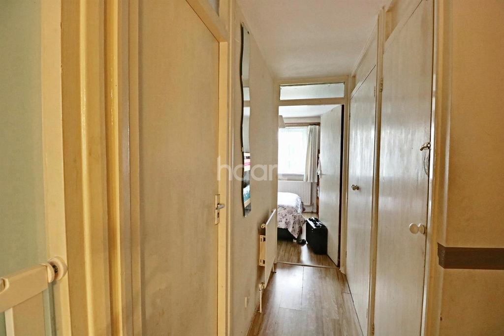 1 Bedroom Flat for sale in Sunderland Court, Thornton Heath, CR7