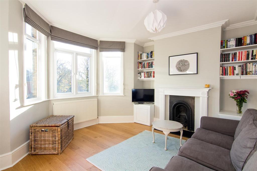 2 Bedrooms Maisonette Flat for sale in North Worple Way, Mortlake, SW14