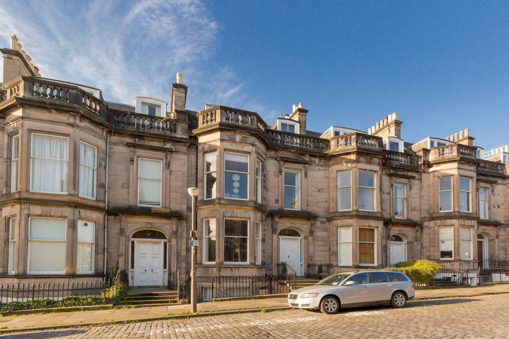 4 Bedrooms Ground Maisonette Flat for sale in 19a Coates Gardens, Edinburgh, EH12 5LG