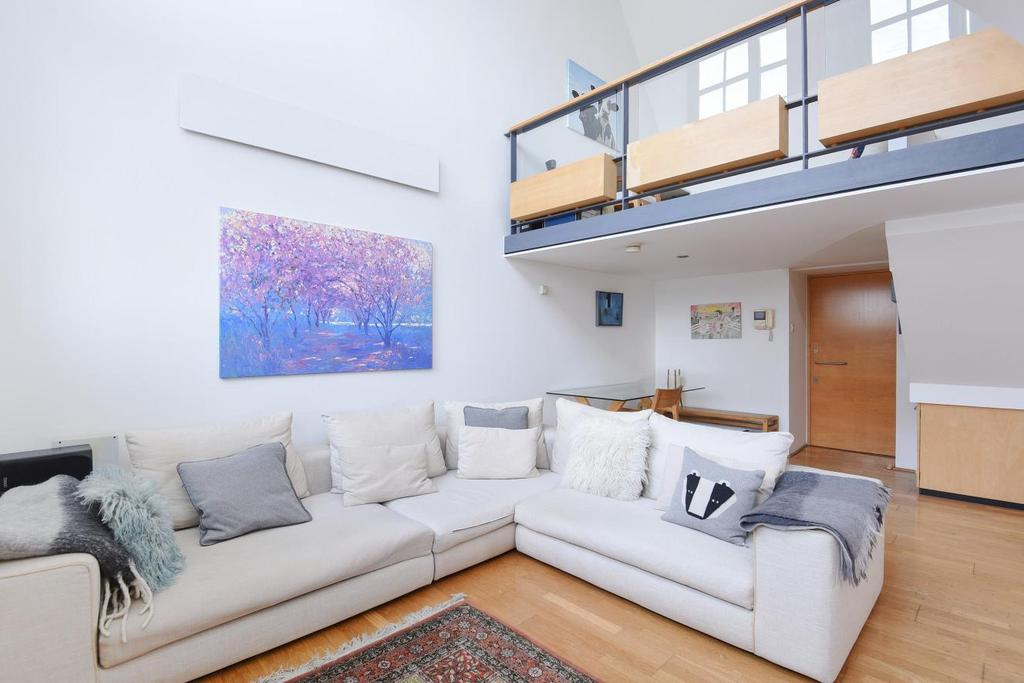2 Bedrooms Flat for sale in Highgate Hill, Highgate