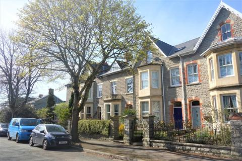 1 bedroom flat to rent - Clive Place, Penarth,