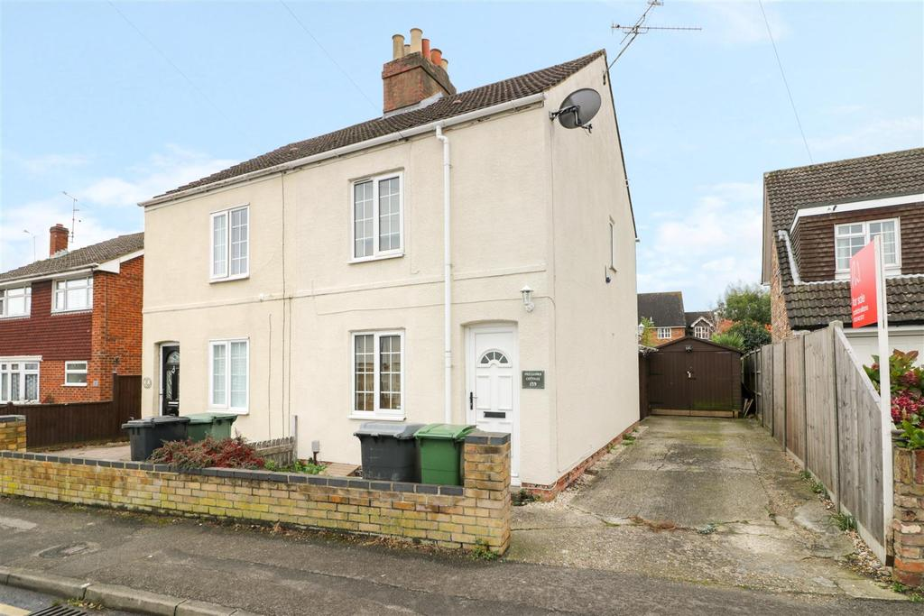 2 Bedrooms Semi Detached House for sale in City Road, Tilehurst, Reading