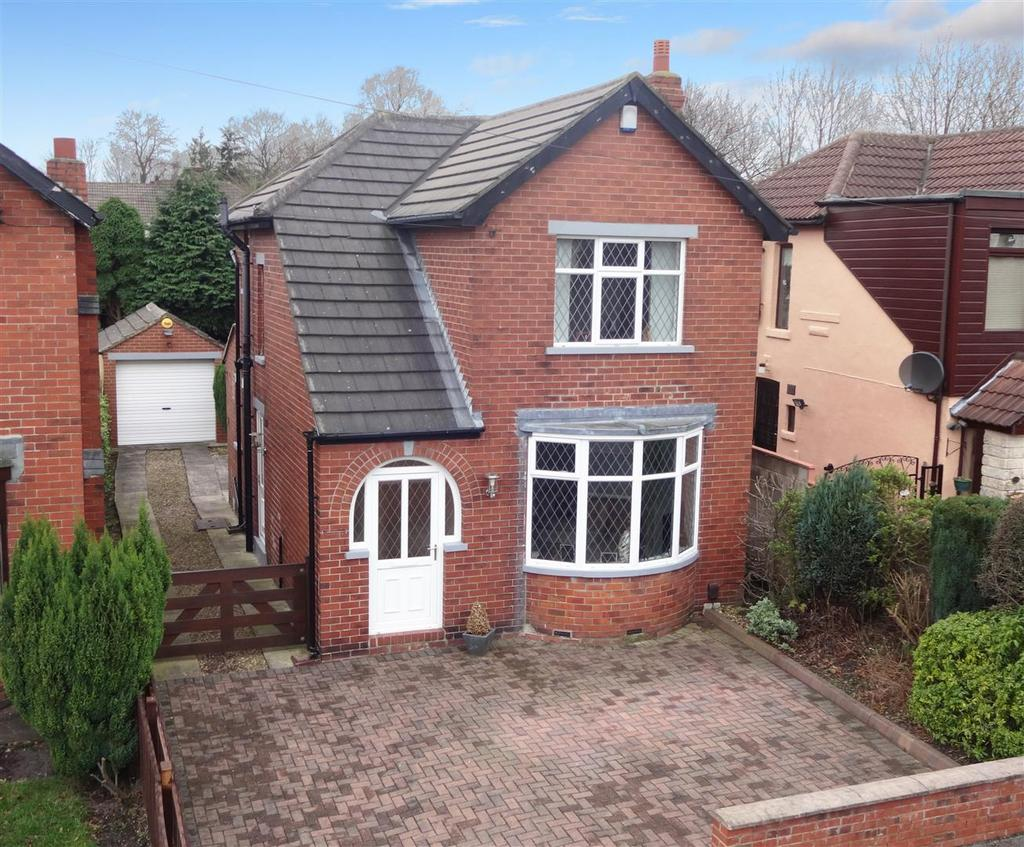 2 Bedrooms Detached House for sale in Priesthorpe Avenue, Stanningley