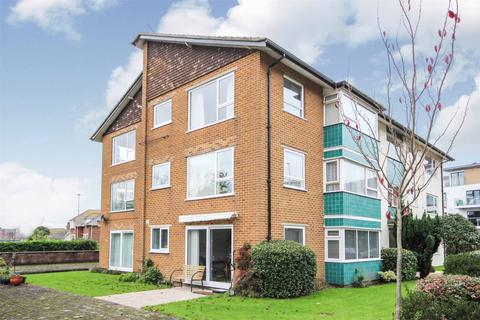 2 bedroom flat for sale - Mount Pleasant Road, POOLE, Dorset