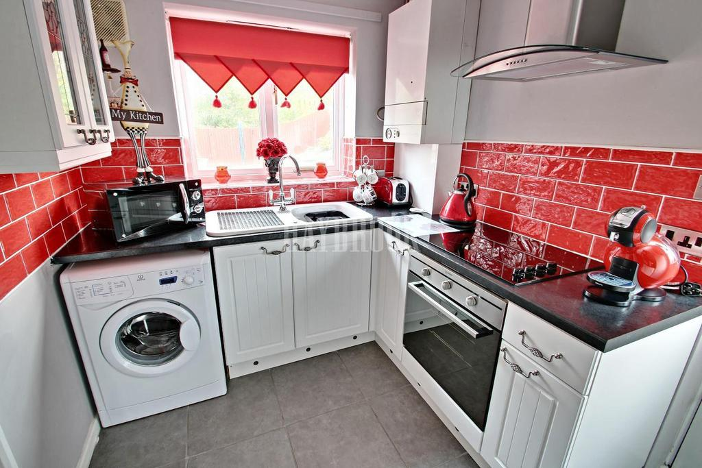 3 Bedrooms Semi Detached House for sale in Castlebeck Drive, Castlebeck, S2