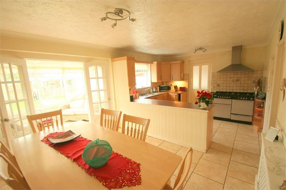 4 Bedrooms Semi Detached House for sale in Aetheric Road, BRAINTREE, Essex
