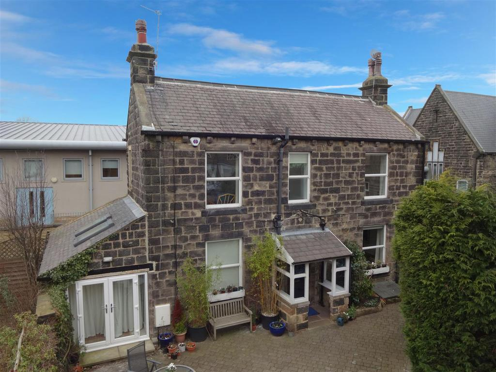 3 Bedrooms Detached House for rent in Town Street, Horsforth