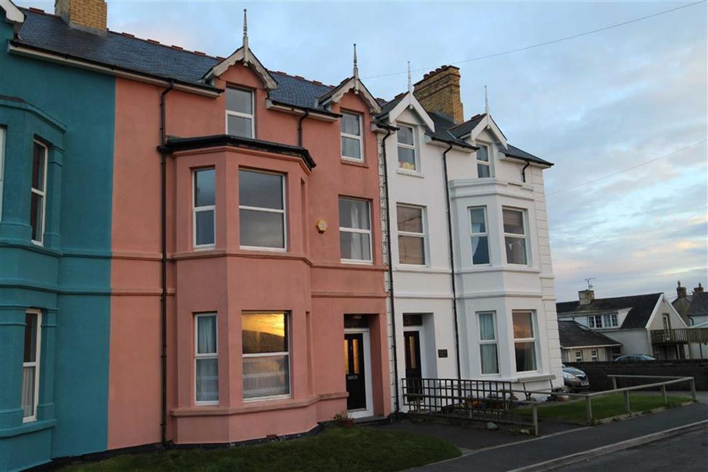 8 Bedrooms Terraced House for sale in High St, Borth