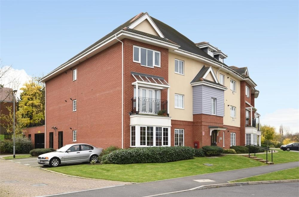 1 Bedroom Flat for sale in Flowerdown Court, 2 Flowers Avenue, Ruislip, Greater London