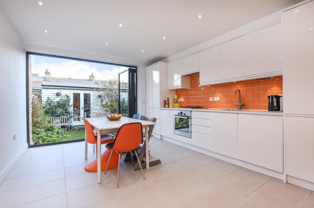 2 Bedrooms Terraced House for sale in Hadrian Street London SE10