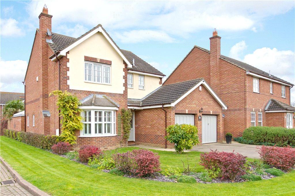 4 Bedrooms Detached House for sale in Longborns, Cranfield, Bedfordshire