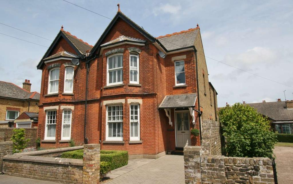 3 Bedrooms Semi Detached House for sale in Cowper Road, Deal