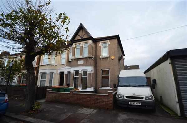 1 Bedroom Apartment Flat for sale in Meanley Road, Manor Park