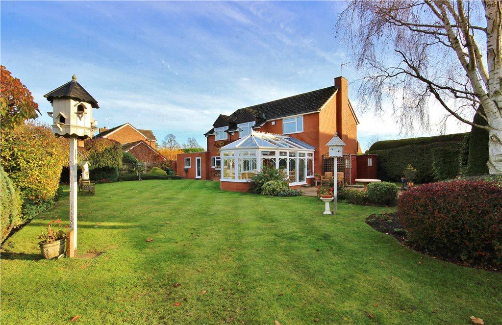 4 Bedrooms Detached House for sale in Butt Furlong, Fladbury, Pershore, Worcestershire, WR10
