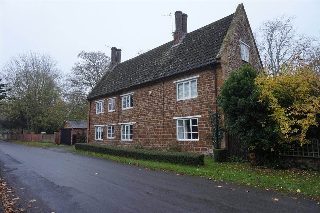 3 Bedrooms Detached House for rent in Watford, Northampton, Northamptonshire