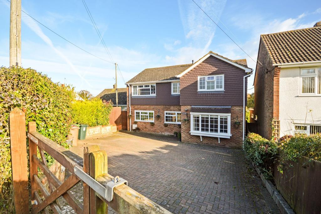 4 Bedrooms Detached House for sale in Brabourne Lees, TN25