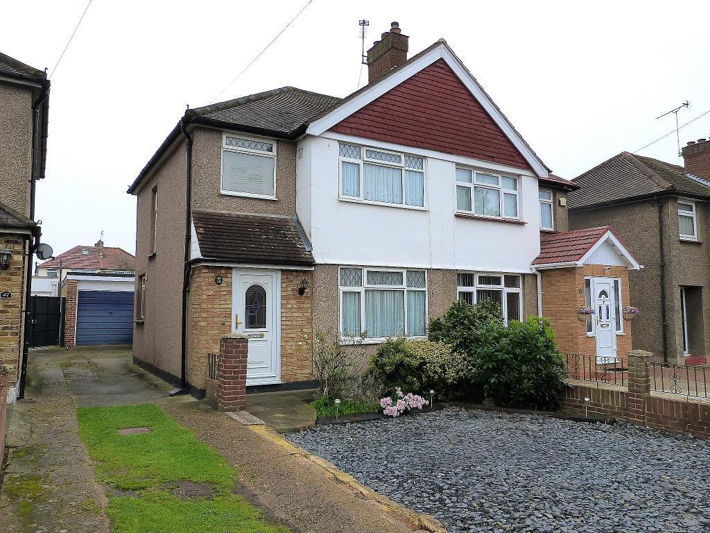 3 Bedrooms Semi Detached House for sale in Seaton Road, Hayes, UB3 1NU