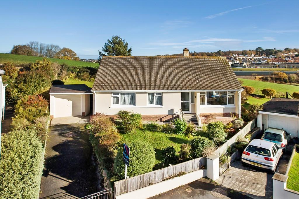 3 Bedrooms Detached Bungalow for sale in St Michaels Road, Decoy