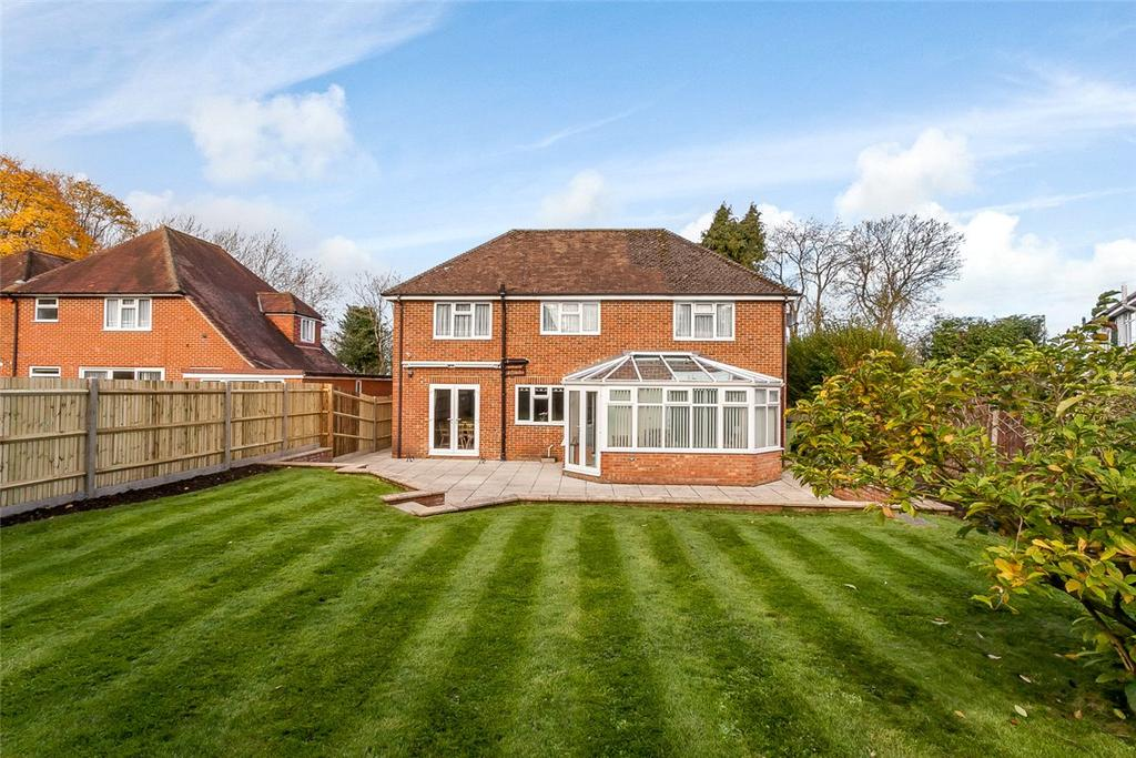 3 Bedrooms Detached House for sale in The Harrow Way, Basingstoke, Hampshire, RG22