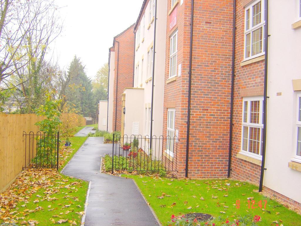 2 Bedrooms Apartment Flat for sale in Lippencote Court, Oxford Road, Tilehurst, Reading, Berkshire, RG31 6TB