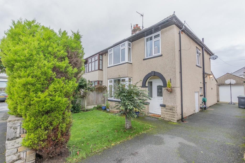4 Bedrooms Semi Detached House for sale in 13 Rosemede Avenue, Kendal