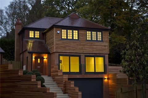 4 bedroom detached house for sale - Roffes Lane, Caterham, Surrey, CR3