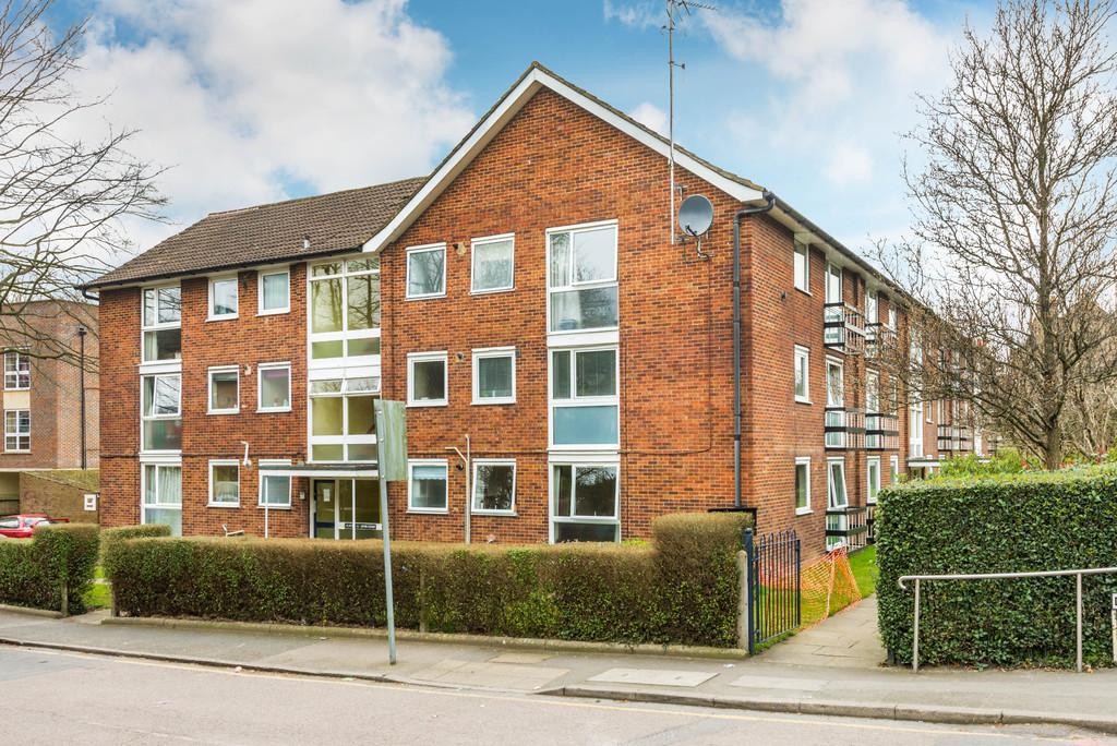 2 Bedrooms Apartment Flat for sale in PURLEY