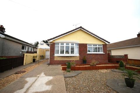 3 bedroom bungalow for sale - 11 Village Close, Bryncoch, SA10 7TE