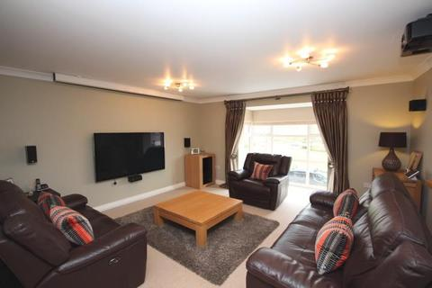 4 bedroom terraced house to rent - Pinewood Place, Dartford, DA2 7WN