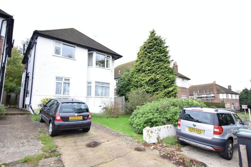 2 Bedrooms Maisonette Flat for sale in Wordsworth Road, Maidstone