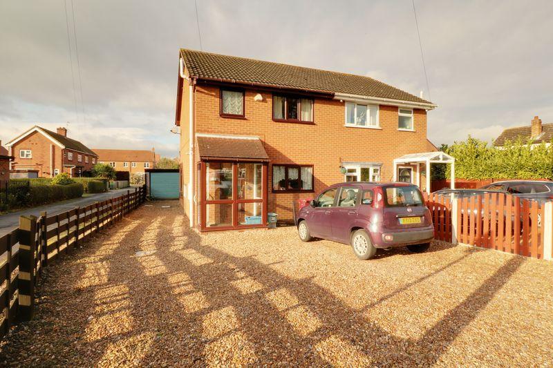3 Bedrooms Semi Detached House for sale in Fieldside, Epworth
