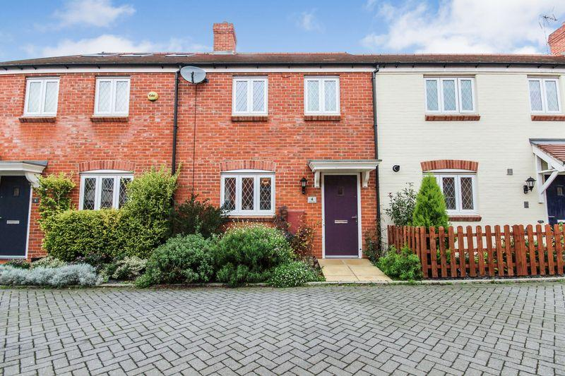 3 Bedrooms Terraced House for sale in Nicolls Close, Ampthill