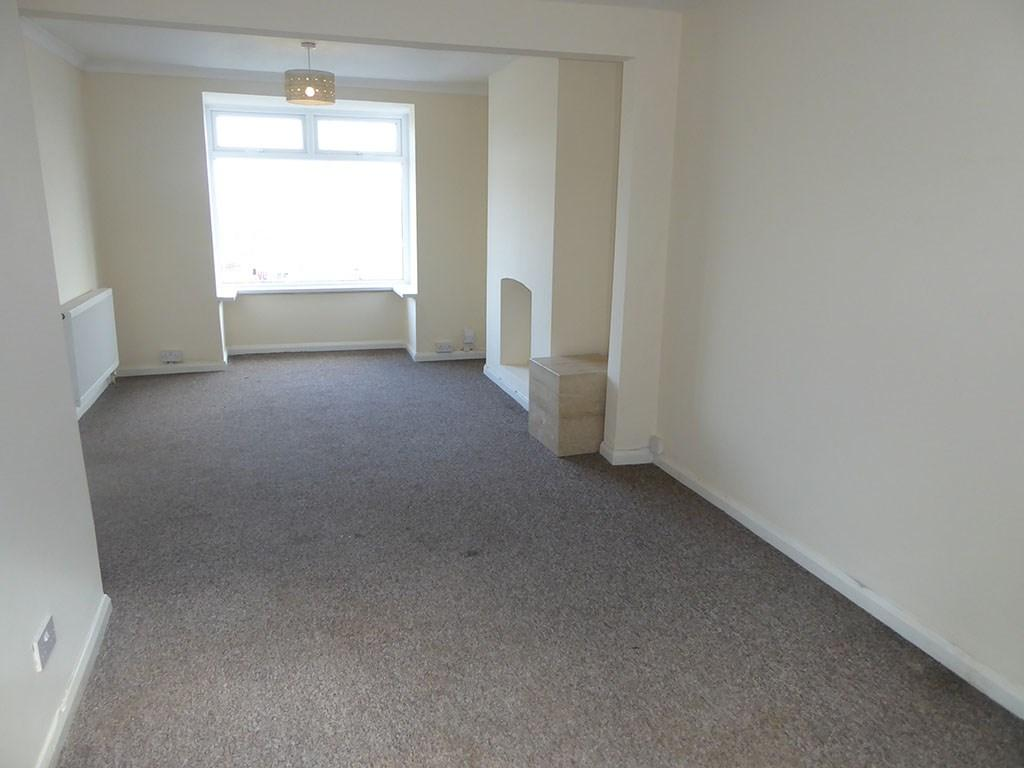 3 Bedrooms Semi Detached House for sale in Lydford Avenue, St Thomas, Swansea, SA1