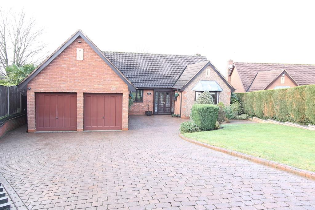 3 Bedrooms Detached Bungalow for sale in (Off South Road), Hagley, Stourbridge, DY9