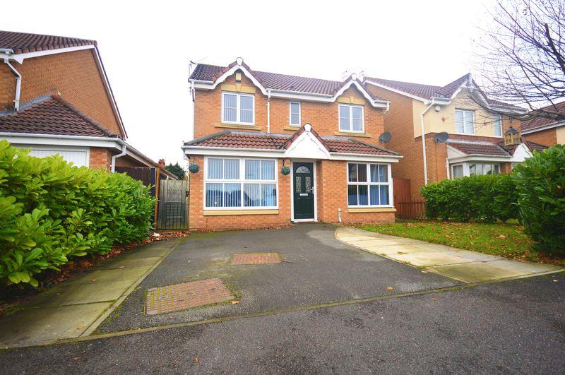 4 Bedrooms Detached House for sale in Maidstone Close, Hunts Cross