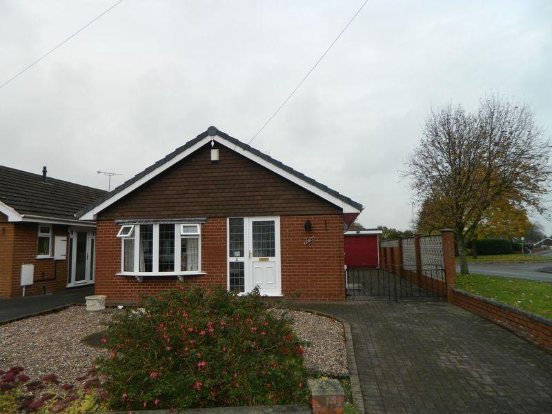 2 Bedrooms Detached Bungalow for sale in Dee Close, Sandbach