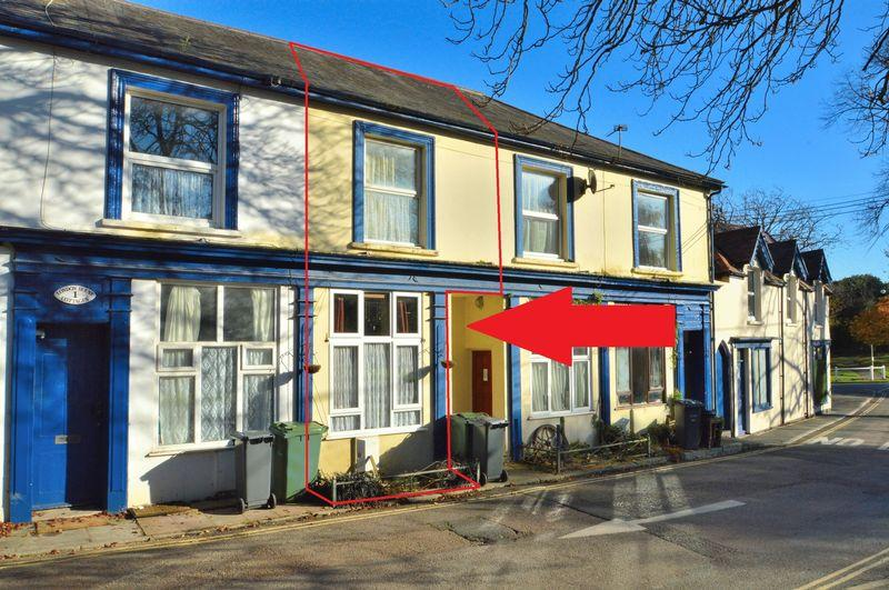 2 Bedrooms Terraced House for sale in Freshwater