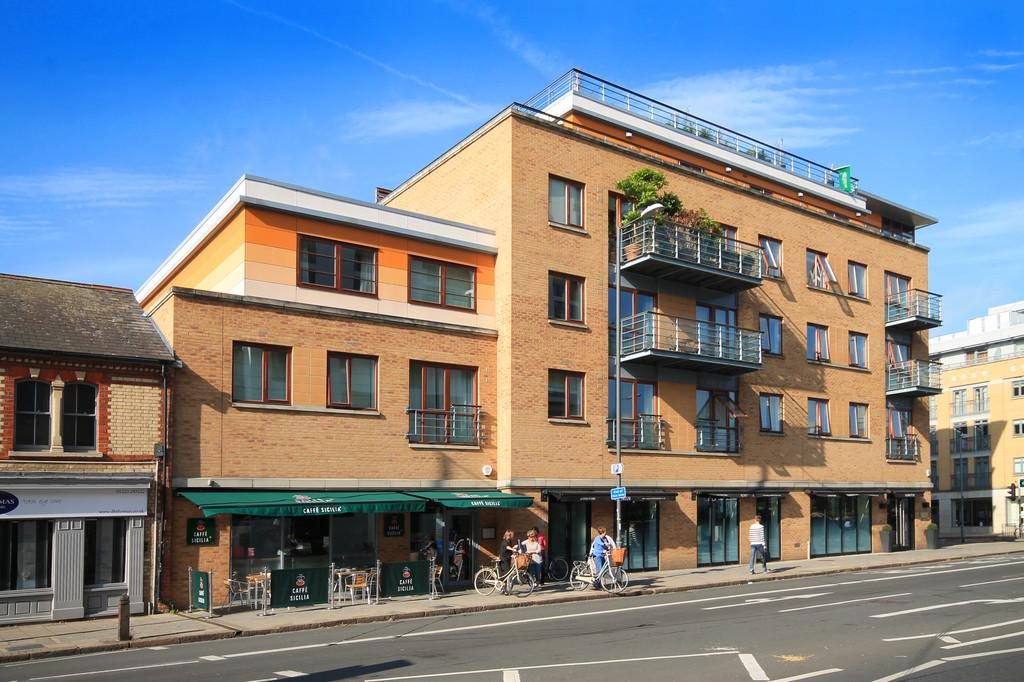 2 Bedrooms Apartment Flat for sale in Hills Road, Cambridge