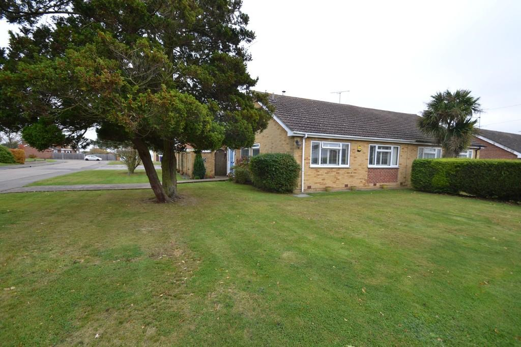 2 Bedrooms Semi Detached Bungalow for sale in Mill Road, Great Totham, CM9 8DH